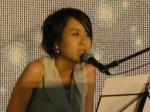 これまでとは違う男女の激しい恋の歌ということからか、史さんも髪を振り乱して厳しい表情で歌う。