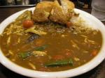 カレーハウスCoCo壱番屋の夏限定メニュー「チキンと夏野菜カレー」+フィッシュフライ。