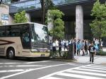 武蔵小杉駅そばのタワープレイス前から乗車。バス13台、総勢約500名のクラブ最大規模。