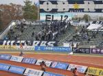 福岡側ゴール裏。23日に昇格を決めて消化試合になったこともあってかサポは少なめ。