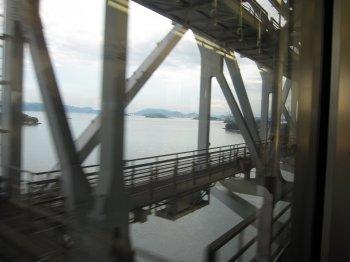 車窓瀬戸大橋1