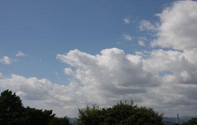 まだ夏の空