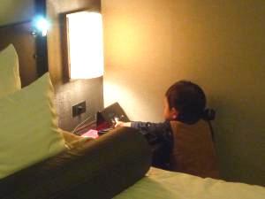 101230 ホテルにて01