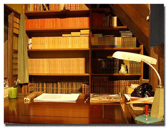 町子さんの書斎