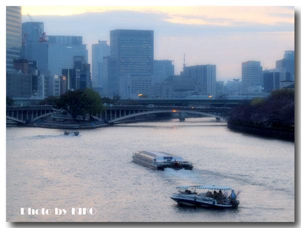 黄昏時の大川