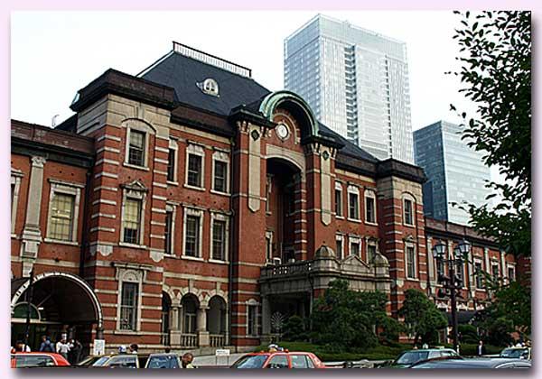 東京駅・丸の内側
