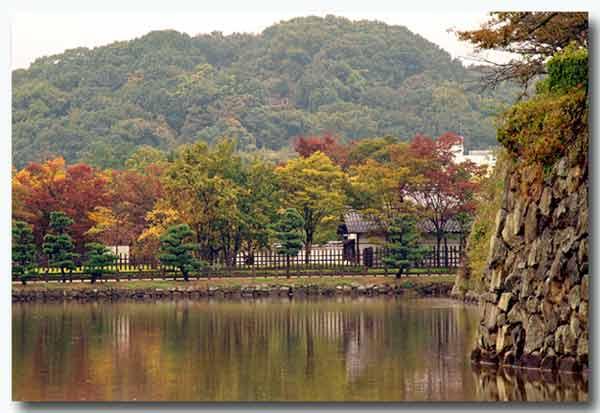 姫路城のお堀端