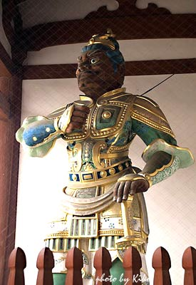 武装した二天王像 1
