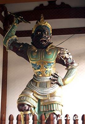 武装した二天王像 2