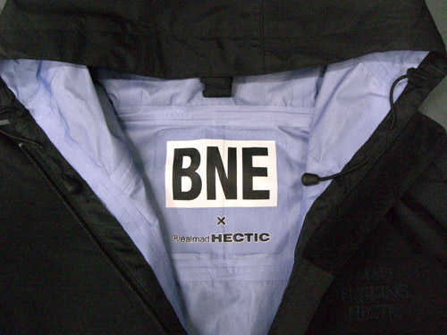 bne-realmadhectic-3layer-jacket-4.jpg