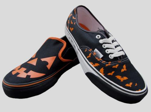 vans-halloween-authentic-slipon-1_convert_20081016000714.jpg