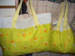 子供用のレッスンバッグと巾着バッグ