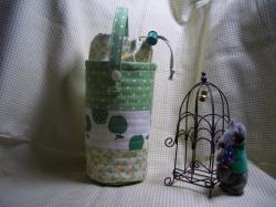 緑のペットボトルケース