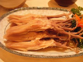 鴨の舌!グロテスク!(四川料理ではメジャーらしいです)
