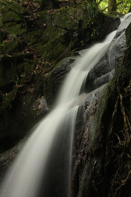 安来市広瀬町 蹄の滝