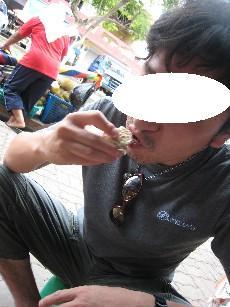 ドリアン食べる仁