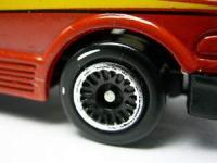 toyota_estima_un_wheel.jpg