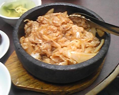 豚カルビ丼
