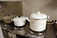 どっちがその鍋でしょう?