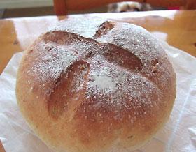 ヨーグルト&くるみパン