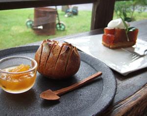 酵母パンのトースト