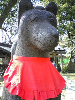 三囲神社 たれ目の稲荷
