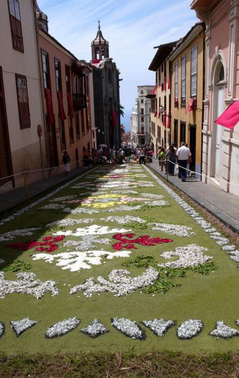 花でデザインされたフラワーカーペット