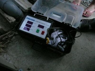 マツダのSST、コンプレッション測定器