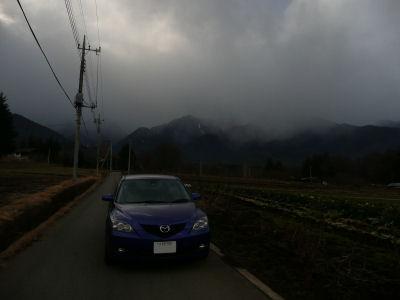 雪降る甲斐駒ケ岳