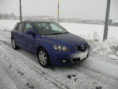 雪の付いたアクセラ