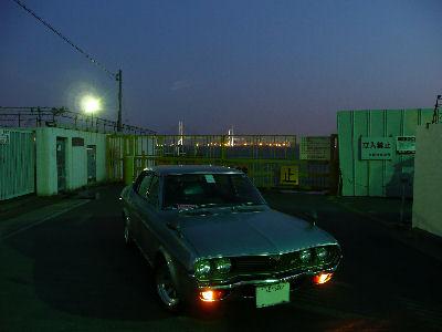 マツダルーチェと横浜の新港埠頭