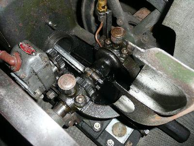 石油発動機のシリンダ、コンロッド、マグネト、クランクなど、エンジン腰周