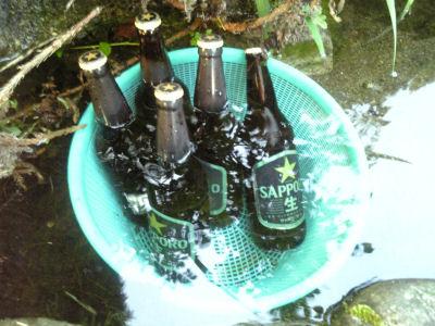 清水で冷やしたビール