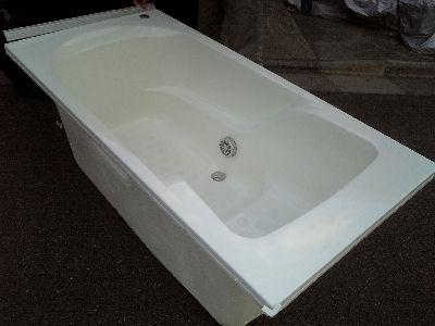 展示場から捨てられるはずだった新品同様の風呂桶