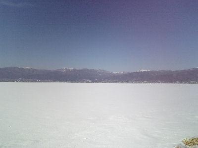 如月の諏訪湖-全面結氷中