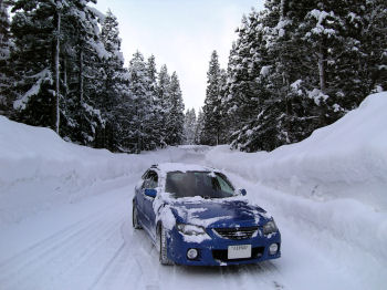 マツダファミリアと雪