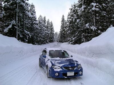 雪とファミリアSワゴン