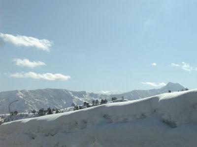 雪の越後山脈その二