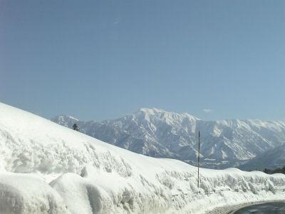 雪の越後山脈その三