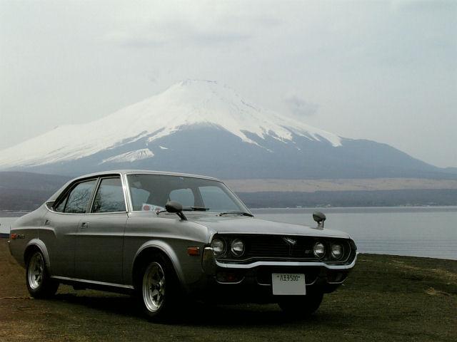 マツダルーチェと早春の富士山