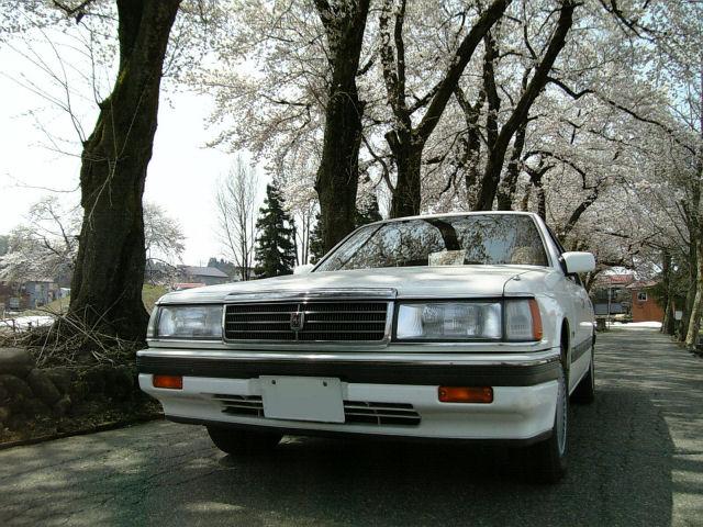 マツダルーチェV6と桜