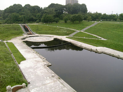 長池公園の姿池