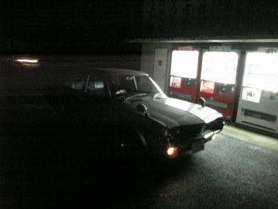 マツダルーチェと太助ドライブイン前の自販機