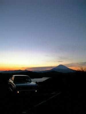 ルーチェと富士山の夕焼け_春