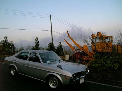 マツダルーチェと除雪用ロータリー車