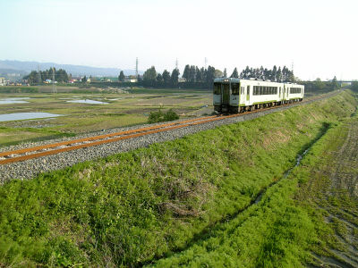 飯山線を走るキハ110