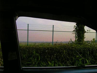 立川基地の滑走路をルーチェの窓から眺める