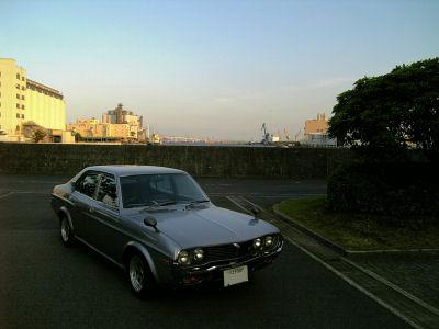 横浜の運河とルーチェ