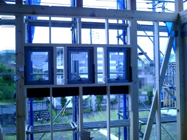 3つの窓(中)