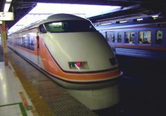 大宮駅からスペーシア・・・には乗りません。